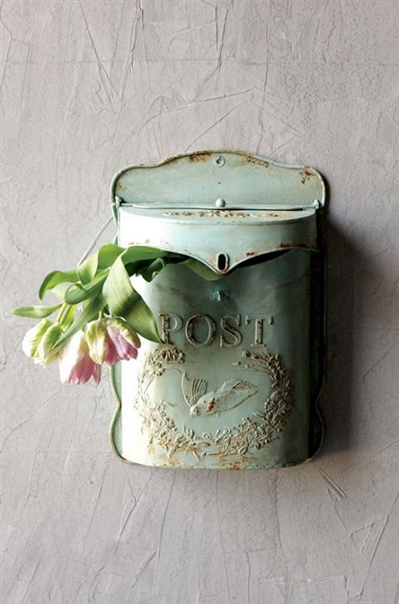 Vintage-style Postal Box