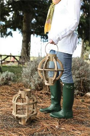 Round Wooden Lantern with Handle